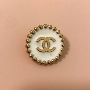 Chanel Button